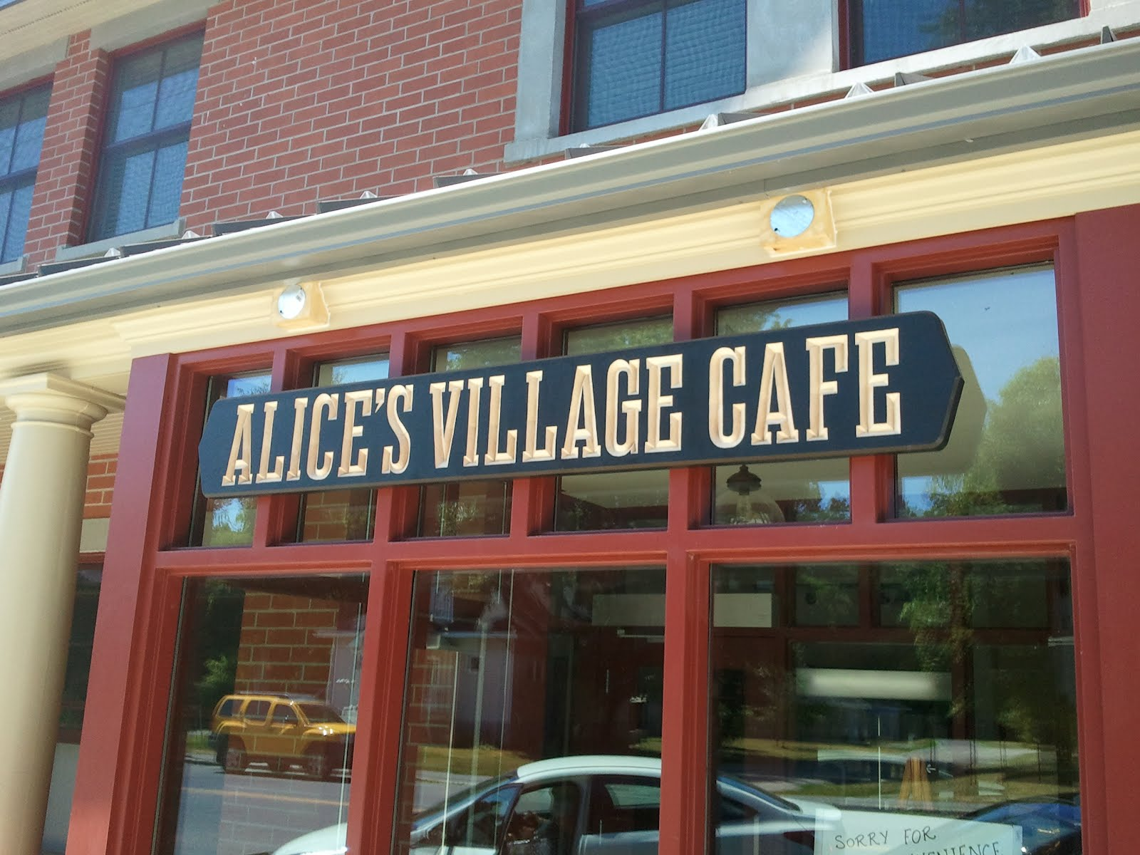 Alice's Village Cafe, Carp
